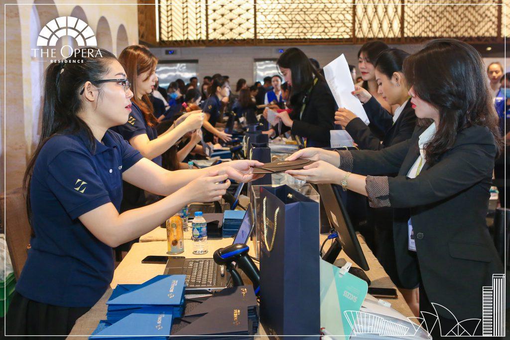 Sự kiện đã thu hút sự quan tâm của đông đảo khách hàng và nhà đầu tư